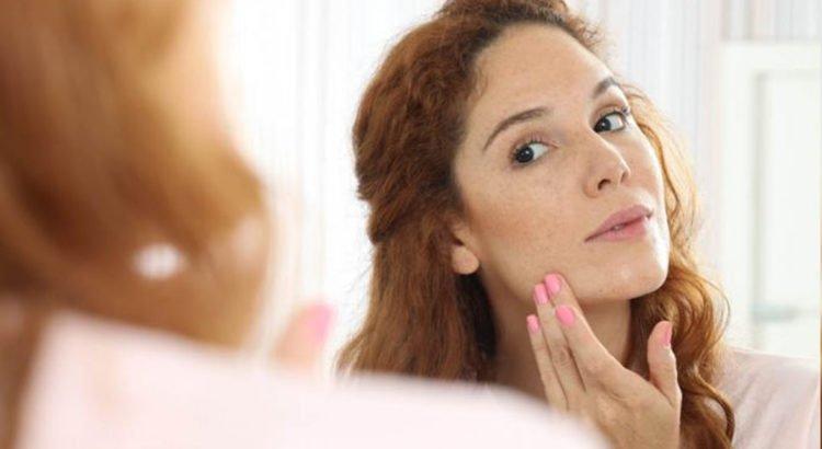 Pele Oleosa: Protetor Solar Físico 100% Mineral é indicado para quem tem tendência a brilho excessivo e acne
